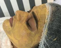 Vyskúšala som túto zlatú masku, ktorá mi vrátila pleť tridsiatničky! Stačí naniesť na navlhčenú pleť, nechať 10 minút pôsobiť a ... | Babské Veci Detox, Hair Beauty, Food, Tvar, Ideas, Meal, Essen, Hoods, Eten