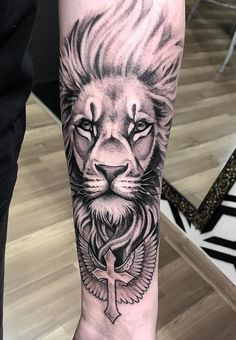 65 Female and Male Lion Tattoos Lion Head Tattoos, Mens Lion Tattoo, Forarm Tattoos, King Tattoos, Top Tattoos, Body Art Tattoos, Tattoos For Guys, Unique Tattoos, Indian Tattoos For Men