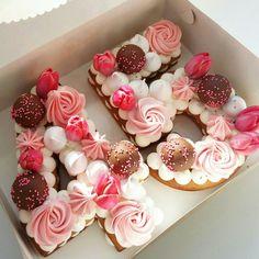 New Birthday Cake Number Decorating How To Make Ideas Number Birthday Cakes, New Birthday Cake, Pretty Birthday Cakes, Number Cakes, Tea Cakes, Mini Cakes, Cupcake Cakes, Alphabet Cake, Rhubarb Cake