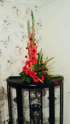 Gladiolus Arrangements, Tropical Floral Arrangements, Funeral Flower Arrangements, Beautiful Flower Arrangements, Unique Flowers, Red Flowers, Silk Arrangements, Altar Flowers, Church Flowers