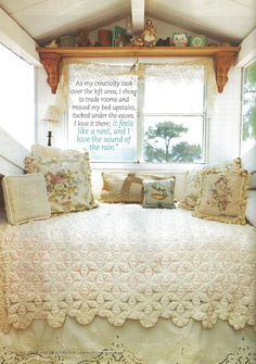 inspiration for vintage trailer from Romantic Homes magazine. I love the quilt and adore the Battenberg Lave dust ruffle! Vintage Rv, Vintage Caravans, Vintage Travel Trailers, Vintage Campers, Shabby Vintage, Shabby Chic Cottage, Cottage Style, Romantic Homes, Bedroom Romantic