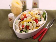 1 porție conține: 400 kcal 20 g proteine 25 g lipide 15 g glucide Ingrediente 1 salată verde 50 g Cobb Salad, Food, Green, Eten, Meals, Diet