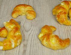 Σούπερ Γαλλική συνταγή για ξεχωριστά ροξάκια – foodaholics.gr Bagel, Shrimp, Deserts, Dairy, Food And Drink, Low Carb, Sweets, Bread, Cheese