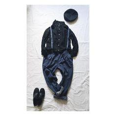 ----- ◎立ち襟ブラウス(Black) ◎サスペンダーパンツ(denim) . こちらもTRUNKさま @trunk2007 の企画展にお送りしました📦 . 『わたしのごほうび展』 12月1日からです! . . . #ハンドメイド #ハンドメイド大人服 #ソーイング #ソーイング大人服 #洋裁 #裁縫 #リネン服 #ナチュラル服 #ナチュラルコーデ #シンプルコーデ #置き画くら部 #置き画 #コーディネート #無印 #fashion #coordinate #outfit #instafashion #handmade #handwork #sewing #mochaworks #vsco #vscofashion #vscostyle #わたしのごほうび展 #広島 #雑貨屋 #宮島mocha__style