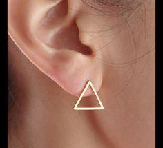 Dreieck Ohrringe, Dreieck Ohrstecker, geometrische Ohrringe  11 mm  Farbe : Gold oder Silber  Bitte schreiben  Farbe im Nachrichtenfeld.