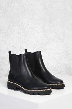 https://www.forever21.com/us/shop/Catalog/Product/plus/Shoes/2000143495