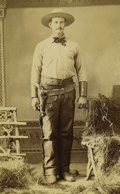 Cabinet Card Photograph Full Dressed Armed Wild West Cowboy ca 1880s