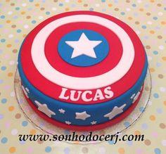 Bolo Capitão América - Vingadores! (Cód.: B232) Captain America Birthday Cake, Captain America Cake, Pastel Capitan America, Bolo Drip Cake, Avengers Birthday Cakes, Avenger Cake, Little Man Birthday, Superhero Cake, Cakes For Boys
