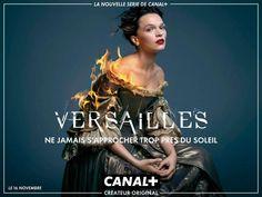 Pour la série Versailles, tout est dans le logo - Stratégies