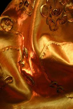copper curtains ~❊**Happy New Year**❊ ~ ❤✿❤ ♫ ♥ X ღɱɧღ ❤ ~ Fr Jan 2015 Copper Rose, Copper Color, Copper Penny, Amber Color, Bronze, Color Cobre, Ambre, Shades Of Gold, Mellow Yellow