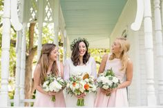 April Spring wedding at Barr Mansion and Artisan Ballroom   Rustic Spring Texas wedding   Photo by The Nichols   Flowers by Stem Floral   Read more - http://www.100layercake.com/blog/?p=75009