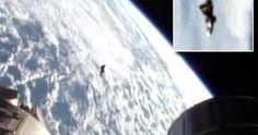 Un satellite extraterrestre filmé par ISS? Il y a peu de temps, de mystérieuses images prises à proximité de la Station Spatiale Internationale et montrant un étonnant OVNI ont émergé de Russie. De quoi s'agit-il ? Selon certains, cet objet pourrait être le célèbre et légendaire « Chevalier Noir » …