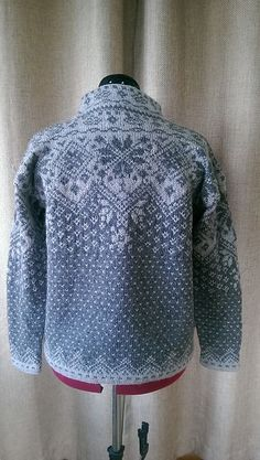 Ravelry: Farewell Norwegian Cardigan pattern by Julie Jackson Fair Isle Knitting Patterns, Knitting Charts, Sweater Knitting Patterns, Knitting Stitches, Knit Patterns, Free Knitting, Punto Fair Isle, Motif Fair Isle, Fair Isle Pattern