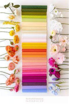 Fake Flowers, Diy Flowers, Fabric Flowers, Paper Flower Arrangements, Crepe Paper Roses, Paper Plants, Tissue Paper Flowers, Handmade Flowers, Flower Crafts