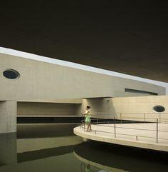 Edificio sobre el Agua / Álvaro Siza + Carlos Castanheira