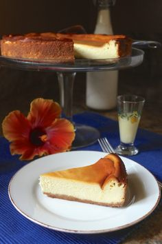 This will be one of your favorite cheesecakes, ever! Limoncello Cheesecake (Torta di Limoncello) www.christinascucina.com