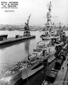 Forward plan view of USS Salt Lake CIty (CA at Mare Island on 24 June She was in overhaul at the shipyard from 6 May until 27 June Heavy Cruiser, Us Navy Ships, Naval History, History Images, United States Navy, Model Ships, Battleship, Vintage Travel, Great Places