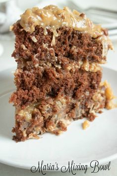 Are you ready to make one of the most delicious and mouth-watering cake recipes, ever? This German Chocolate Cake will have you craving more before you even finish your first piece! German Chocolate Cake Frosting, Homemade German Chocolate Cake, Chocolate Cake Mix Recipes, Chocolate Cake From Scratch, Chocolate Pudding Cake, Homemade Carrot Cake, Cake Recipes From Scratch, Homemade Cake Recipes, Chocolate Cakes