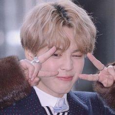 Foto Bts, Bts Photo, Mochi, Suga Rap, Bts Bangtan Boy, Namjoon, Hoseok, Bts Taehyung, V E Jhope