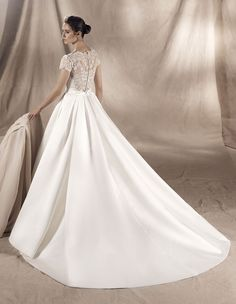 wedding dress yaremi