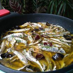 Cazuela de antxoas receta del Bar-Restaurante ROTTERDAM. Muchas gracias a Javi Lourdes y especialmente a Arantza por la receta por su simpatía amabilidad y profesionalidad .Un abrazo grande con afecto para todos vosotros desde A Coruña. #bilbo #bilbao #paisvasco #cazuelas #antxoas #boquerones #cocinatradicional #BRAinfinity @cocinaconbra Ay mi madre!; qué plato más rico!.  by ridente