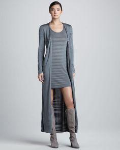 Missoni, Dünyaca ünlü yıldızlar tarafından tercih edilen Missoni'den kendine has tarzını yansıtan hırka ve elbise seti Space-Dye Elbise