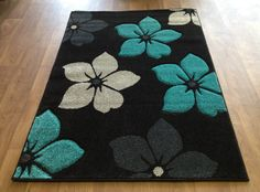 Pom Pom Rug, Crochet Carpet, Latch Hook Rugs, Color Turquesa, Candy Crafts, Handmade Headbands, Handmade Journals, Black Rug, Rug Hooking