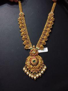 Gold Muvvala Haram Designs with Kundan Gold Jhumka Earrings, Gold Earrings Designs, Gold Jewellery Design, Necklace Designs, Gold Jewelry, Gold Necklaces, Handmade Jewellery, Tragus Earrings, India Jewelry