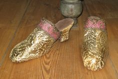 18th century Reproduction ladies mules; vintage gold on silk brocade fabric, gold passementarie, silk ribbon, leather