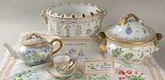 Royal Copenhagen Flora Danica | Royal Copenhagen Flora Danica - soup tureen with lid, an ice basin, a ...