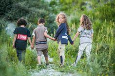 Total coole UNISEX Outfits von 3fnkykids findet Ihr bei StyleKIND <3  www.stylekind.at #jungs #mädchen #bekleidung #boys #girl #mode #braun #beige #blau #grau #grey #3fnkykids #billybandit #unisex #pockethose #shirt #style #hoodie #stylekind #shorts #hose #www.stylekind.at Unisex, Shirts, Couple Photos, Couples, Outfits, Blue Grey, Products, Get Tan, Guys