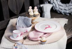 Heimisches Handwerk: Gmundner Keramik Heart Of Europe, Table Decorations, Inspiration, Tableware, Sweet, Wedding Ideas, Pink, Beautiful, Design