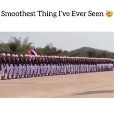 Not something I'd usually pin but whoa! - - Not something I'd usually pin but whoa! w o a h Nicht etwas, das ich normalerweise pinnen würde, aber whoa ! Funny Video Memes, Funny Relatable Memes, Funny Jokes, Stupid Funny, Funny Cute, Oddly Satisfying Videos, Funny Clips, Belle Photo, Laughter