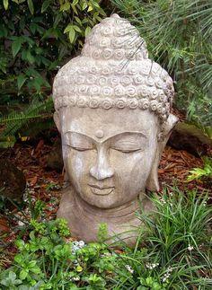 Stenen buddha / boeddha beeld