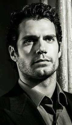 Henry Cavill, Men's Fashion, Actor, Male Model, Good Looking, Beautiful Man, Guy, Handsome, Cute, Hot, Sexy, Eye Candy, Muscle, Hairy Chest, Abs, Six Pack, Fitness ヘンリー・カヴィル 俳優 男性モデル フィットネス