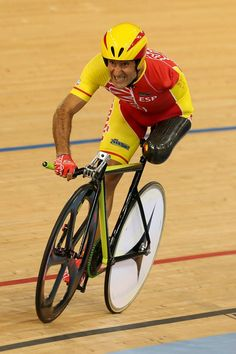 Juan Jose Mendez of Spain competes in the Men's Individual C1-2-3 1km Cycling Time Trial final on day 1 of the London 2012 Paralympic Games at Velodrome on August 30, 2012 in London, England. (Photo by Bryn Lennon/Getty Images) #Paralympic Memories