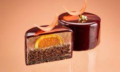 Нежный шоколадный мусс с апельсиновым конфи.