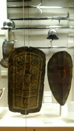 Pavaise and shield - Italian 15th Cent (Leeds Armouries)