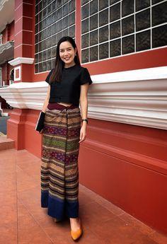 Dress Pattern Wrap Style Ideas For 2019 Thai Traditional Dress, Myanmar Traditional Dress, Traditional Outfits, Filipino Fashion, Thai Fashion, Mode Batik, Modern Filipiniana Dress, Batik Fashion, Thai Dress