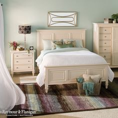 Nothing Says Beachfront Home Like This Bedroom The Cream Colored Furniture Matches Perfectly With