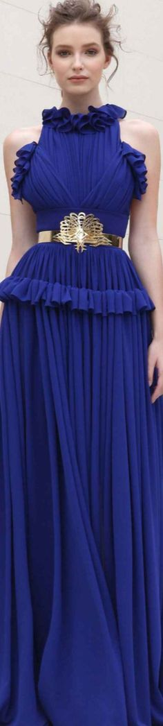 Basil Soda Spring 2018 RTW// I totally love the color and belt! High End Fashion, Blue Fashion, Colorful Fashion, Fashion Show, Autumn Fashion, Fashion Design, Blue Dresses, Prom Dresses, Formal Dresses