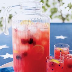 Berry Lemonade - It's yummy! Traditional lemonade with raspberries and blackberries; add mint for a twist and raise your glasses! Use Stevia to make this a healthy thirst quencher.
