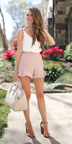 love her top, frill hem shorts & strappy heels! pretty from head to sexy toes! http://bellanblue.com