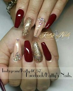 49 Ideas red acrylic nails Acrylic nail is really a prosthetic nail application. Red And Gold Nails, Maroon Nails, Purple Nails, Rhinestone Nails, Bling Nails, Diy Nails, Xmas Nails, Christmas Nails, Gorgeous Nails