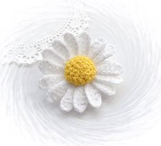 This lovely Daisy Marguerite Brooch crocheted using acrylic and cotton yarn.    Light wear and unique, made with love and care, with great
