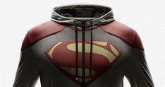 Todo mundo conhece alguém que tem ou já teve uma camisa com brasão de um super herói, apesar de sempre ter parecido como algo infantil, hoje...