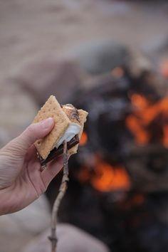 Havalar soğumaya başladıysa yapılabilecek en güzel şeylerden birisi ateş yakıp marshmallow pişirmektir. #marshmallow # autumn #sonbahar