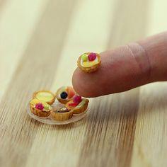 Tartas de fruta miniatura de Shay Aaron. Artista miniaturista.