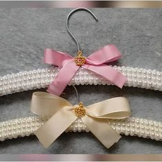 Closet Hangers, Clothes Hanger, Closet Mirror, Bolo Fake, Birthday Bash, Diy Crafts, Decoration, Style, Wedding Hangers