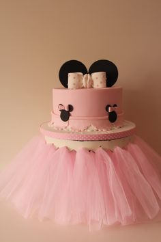 Minnie Mouse christening cake  By tilly makes cake